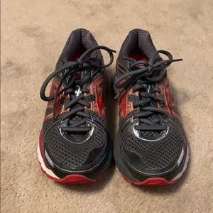 Brooks GTS 17 running shoes